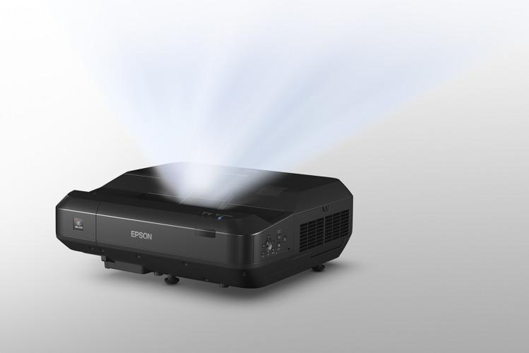Epson introduceert eerste laserprojector met ultrakorte projectieafstand voor thuisomgevingen